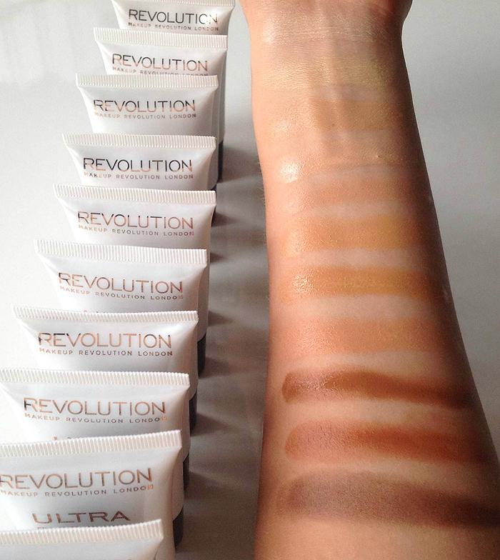 4e85cbb2d0ec Makeup Revolution - Base de maquillaje Ultra Face Base Foundation - FB 14  Dark Tone